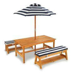 Стол с двумя скамейками и зонтом (сине-белые полосы)