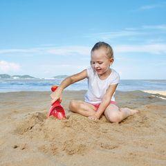 Игрушка для игры в песочнице Лопата-лейка