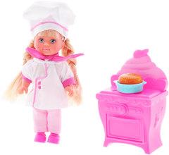 Еви печет торт